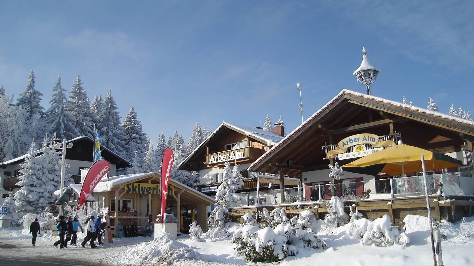 Ski- oder Snowboardverleih