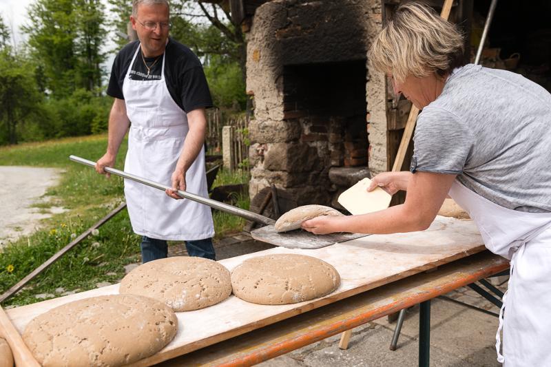Brotbacken am Harlachberg