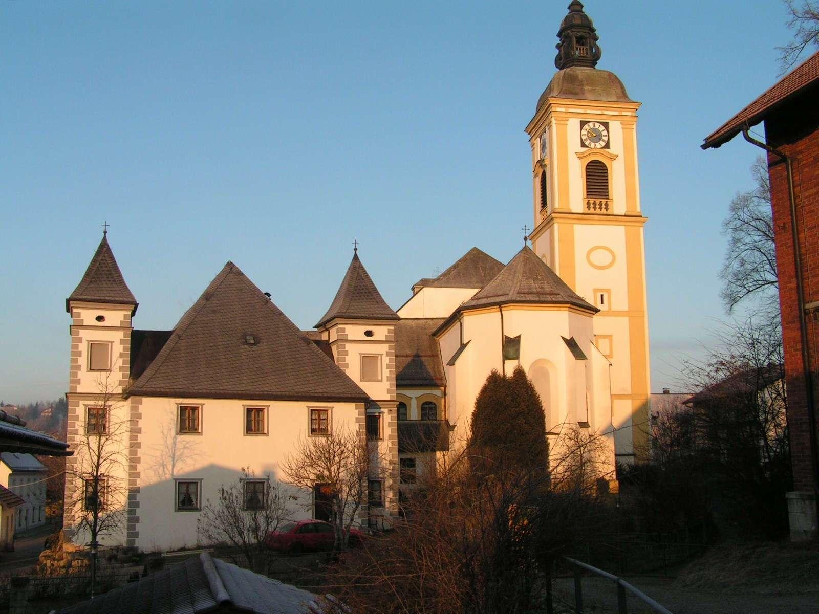 Pfarrkiche Rinchnach und ehemalige Klosteranlage